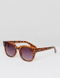 AJ Morgan Square Sunglasses In Tortoise - Brown