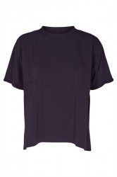 And Less - T-shirt - Agnete Blouse - Deep Well