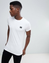 Antony Morato T-Shirt In White With Metal Badge - White