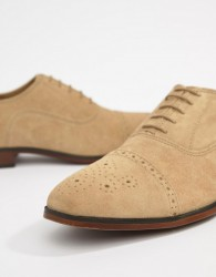 ASOS DESIGN Brogue Shoes In Stone Suede With Natural Sole - Stone