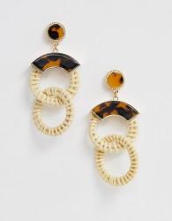 ASOS DESIGN earrings in rattan and tortoiseshell design in gold - Brown