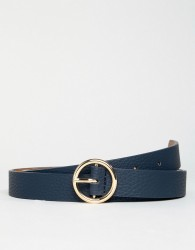 ASOS DESIGN faux leather skinny belt in navy with gold circle buckle - Navy