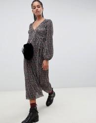 ASOS DESIGN floral print plisse wrap maxi dress - Multi