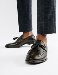 ASOS DESIGN loafers in brown faux leather with tassel detail - Brown