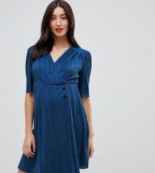 ASOS DESIGN Maternity mini plisse dress with button detail - Blue