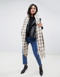 ASOS DESIGN oversized scarf in natural check with tassels - Brown