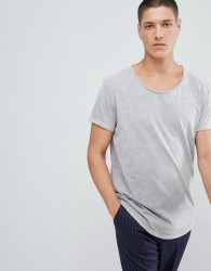 ASOS DESIGN relaxed longline t-shirt with scoop neck and curved hem in ombre acid wash - Grey