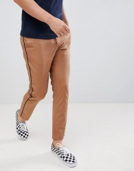 ASOS DESIGN slim cropped trousers in camel with black side piping - Brown