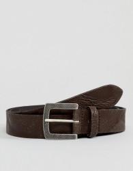 ASOS DESIGN smart slim belt in vintage look leather in brown with emboss buckle - Brown