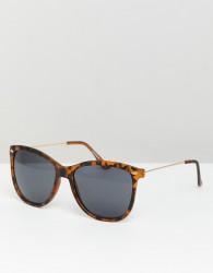 ASOS DESIGN square sunglasses in matte tort with smoke lens - Brown