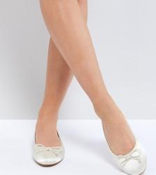 ASOS LIBRA Wide Fit Bridal Ballet Flats - Cream