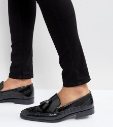 ASOS Wide Fit Brogue Loafers in Black Leather With Tassel - Black