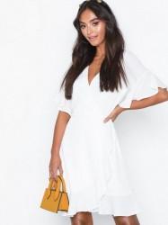 Ax Paris Frill Sleeve Mini Dress Skater kjoler