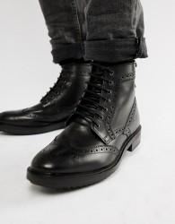Base London Hopkins brogue boots in black - Black