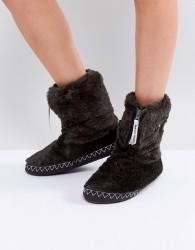 Bedroom Athletics Marilyn Short Faux Fur Slipper Boot - Black