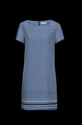 Blåmønstret kjole