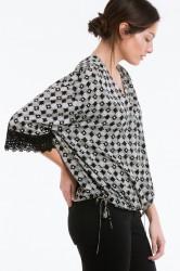 Bluse af genindvundet polyester