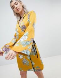 Boohoo Kimono Sleeve Dress - Yellow