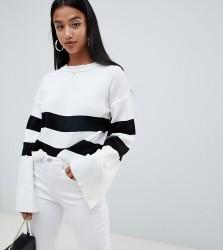Boohoo Petite contrast stripe jumper in white - Multi