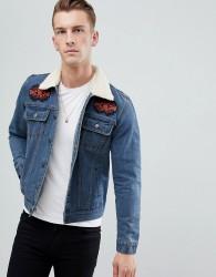 boohooMAN denim jacket with borg collar in blue wash - Blue