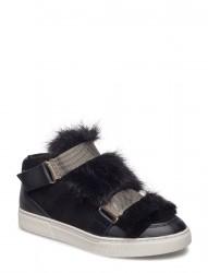 Boot W. Fur