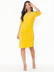 By Malene Birger Dre Tætsiddende kjoler