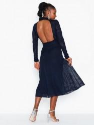 By Malene Birger Lampas Tætsiddende kjoler