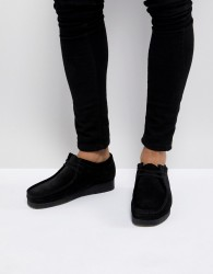 Clarks Originals Wallabee Lace Up Shoes In Black Suede - Black