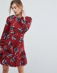 Closet Fluted Hem Skater Dress In Leaf Floral - Multi