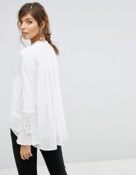 Coast Rose Ivory Knit Top With Lace Applique - White