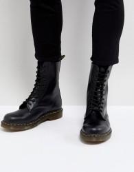 Dr Martens 1490 10-Eye Boots In Black - Black