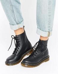 Dr Martens Pascal 8 Eye Boots - Black