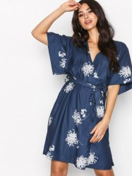 Dry Lake Kylie Kimono Dress Loose fit dresses Lily