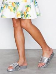 Duffy Metallic Slippers Sandaler Sølv