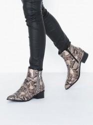 Duffy Zip Boot Heel