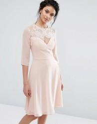 Elise Ryan Lace Sweetheart Midi Dress With 3/4 Sleeve - Pink