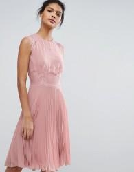 Elise Ryan Pleated Midi Dress With Eyelash Lace Sleeves - Pink