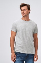 Ensfarvet T-shirt