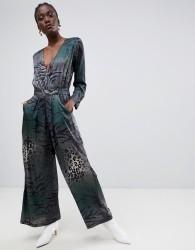 Gestuz Cristal long sleeve jumpsuit in mixed animal print - Green