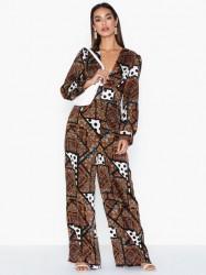 Glamorous Scarf Print Long Sleeve Jumpsuit Jumpsuits