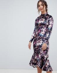Hope & Ivy long sleeve velvet midi dress with peplum hem in floral print - Multi