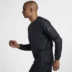 http://images.nike.com/is/image/DotCom/928497_010_C_PREM?wid=650&hei=650&qlt=90&fmt=png-alpha Nike-løbejakke med rund hals til m