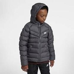 http://images.nike.com/is/image/DotCom/939554_023_C_PREM?wid=650&hei=650&qlt=90&fmt=png-alpha Nike Sportswear-jakke med syntetis