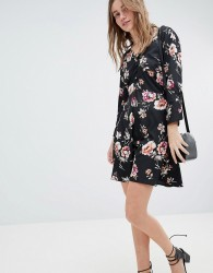 Influence Rouleaux Loop And Button Detail Dress In Floral Print - Black