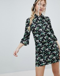 Influence Shift Dress With Mandarin Collar Detail In Daisy Garden Floral - Black
