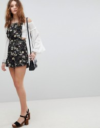 Kiss The Sky Dungaree Playsuit In Floral Print - Black