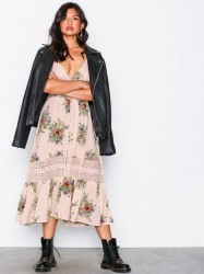 Kiss The Sky Windsong Maxi Dress Loose fit dresses Pink