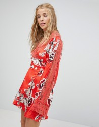 Kiss The Sky Wrap Front Tea Dress In Floral - Red