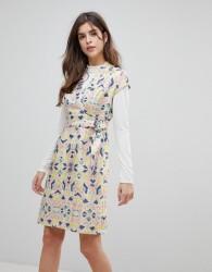 Liquorish Cap Sleeve Geoprint Dress With D-Ring And Attached Belt - Multi