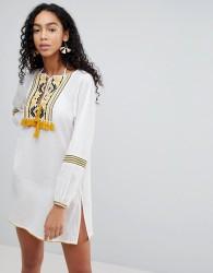Liquorish Embroidered Beach Dress - White